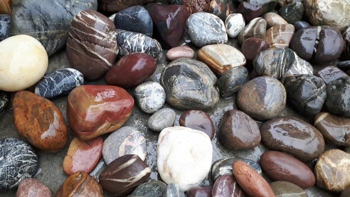 đá cuội trang trí sân vườn